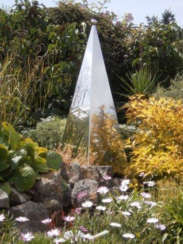 memorial garden sculpture
